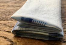 Stofftaschentuch-vs-Papiertaschentuch